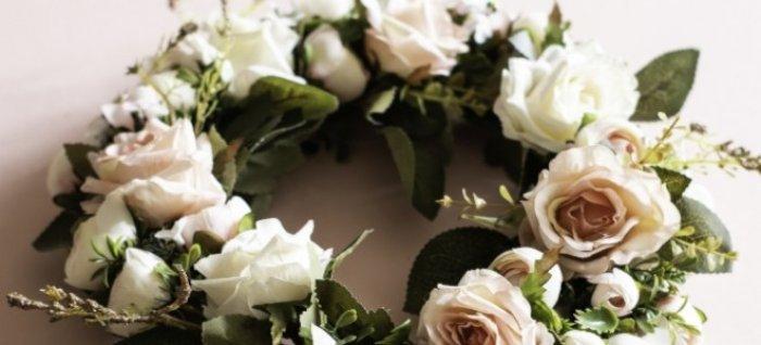 wieniec białych kwiatów 2